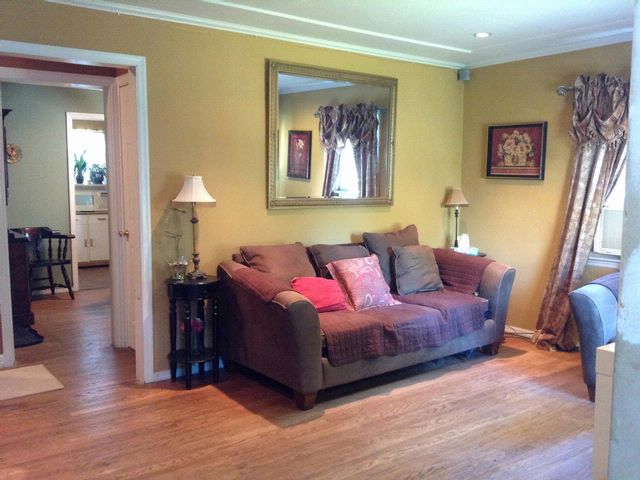 3 BR,  2.00 BTH  Exp ranch style home in Bergenfield